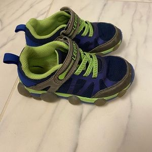 Toddler Size 9 stride rite leepz light up shoes